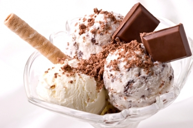 ice_creamsvanillachocbecomegrogeous_thumb